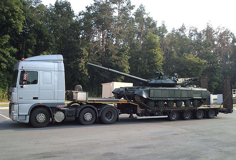 Перевозка танка на трале