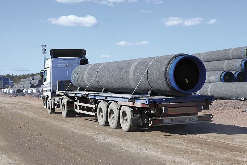 Перевозка труб большого диаметра автотранспортом